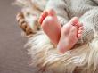 Babyfüße warm halten