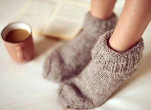 Erholung für kalte strapazierte Füße