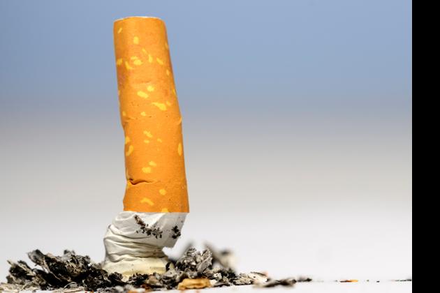 Reisethrombose vorbeugen: Rauchfrei bleiben